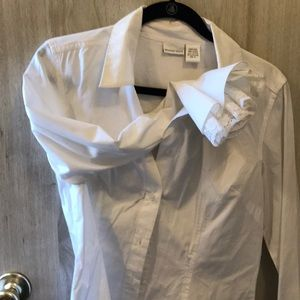 White top blouse with ruffle cuff w/lace